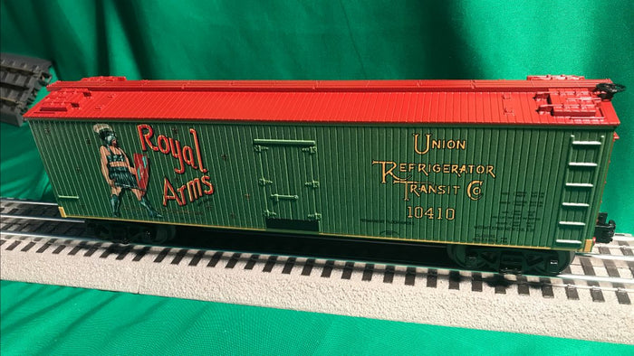 "MTH 30-78194 - 40' Woodsided Reefer Car ""Royal Arms"""