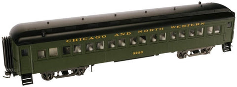 "Atlas O 2001102 - Trainman - 60' Coach ""Chicago & North Western"""