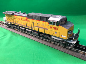 "MTH 20-21151-1 - Dash-9 Diesel Engine ""Union Pacific"" #9705 w/ PS3 (Hi-Rail Wheels)"