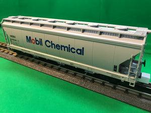 "MTH 20-97897 - 3-Bay Centerflow Hopper ""Mobil Chemical"""