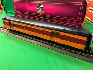 "MTH 20-64079 - 70' Streamlined RPO Passenger Car ""Milwaukee Road"" (Smooth Sided)"