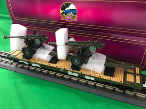 "MTH 20-95347 - Flat Car ""U.S. Army"" w/ 105mm Howitzers"