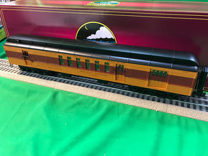 "MTH 20-40074 - 70' Madison Passenger Set ""Milwaukee Road"" (4-Car)"