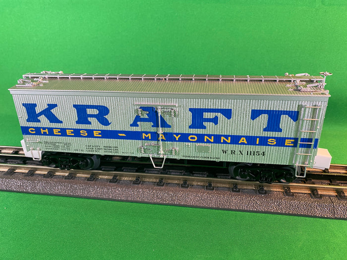 "MTH 20-94443 - 36' Woodsided Reefer Car ""Kraft"""