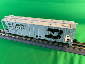 "Atlas O 2002514 - Trainman - 3-Bay PS-2 Covered Hopper ""Burlington Northern"""