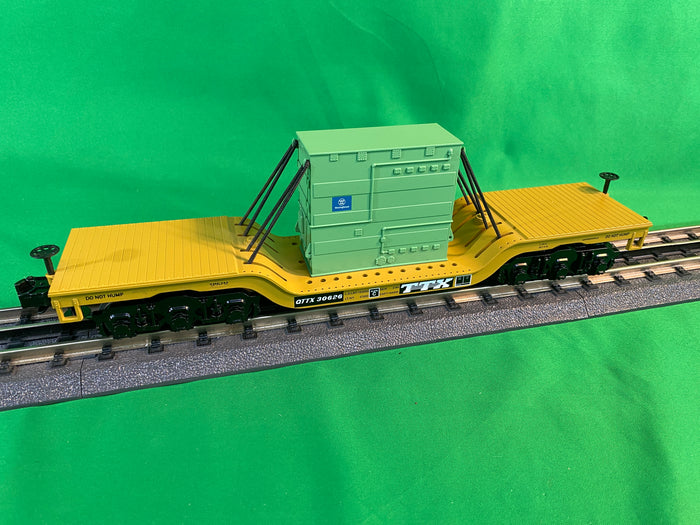 "MTH 30-76826 - Dep. Center Flat Car ""TTX"" w/ Transformer Load"