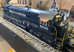 "MTH 20-20367-1 - GE U30C Diesel Engine ""Norfolk & Western"" w/ PS3 #8000 (Hi-Rail Wheels) - Second Hand"