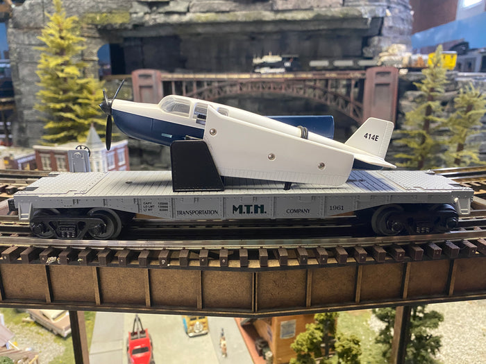 MTH 30-7672 - MTH Transport Flat Car with Airplane - Second Hand