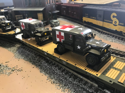 "MTH 20-92149 - Flat Car ""U.S. Army"" w/ (2) Dodge WC54 Ambulances (4-Car)"