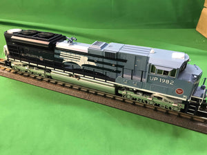"MTH 20-21160-1 - SD70ACe Diesel Engine ""Missouri Pacific"" #1982 UP Heritage w/ PS3 (Hi-Rail Wheels)"