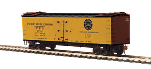 MTH HO 80-94067 Pacific Fruit Express R40-2 Woodside Reefer Car