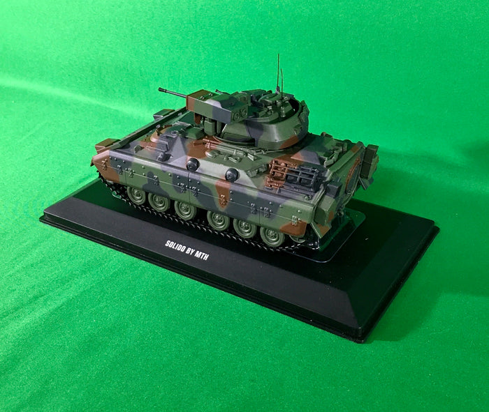 MTH 23-10001 - M2 Bradley Fighting Vehicle 1/48 Scale