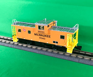 "Lionel 1926930 - CupolaCam Wide Vision Caboose ""Milwaukee Road"" #992303"