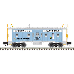 "Atlas O 2001746B - Trainman - Bay Window Caboose ""Chessie System"""
