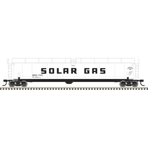 "Atlas O 3003017 - 33,000 Gallon Tank Car ""Solar Gas"""