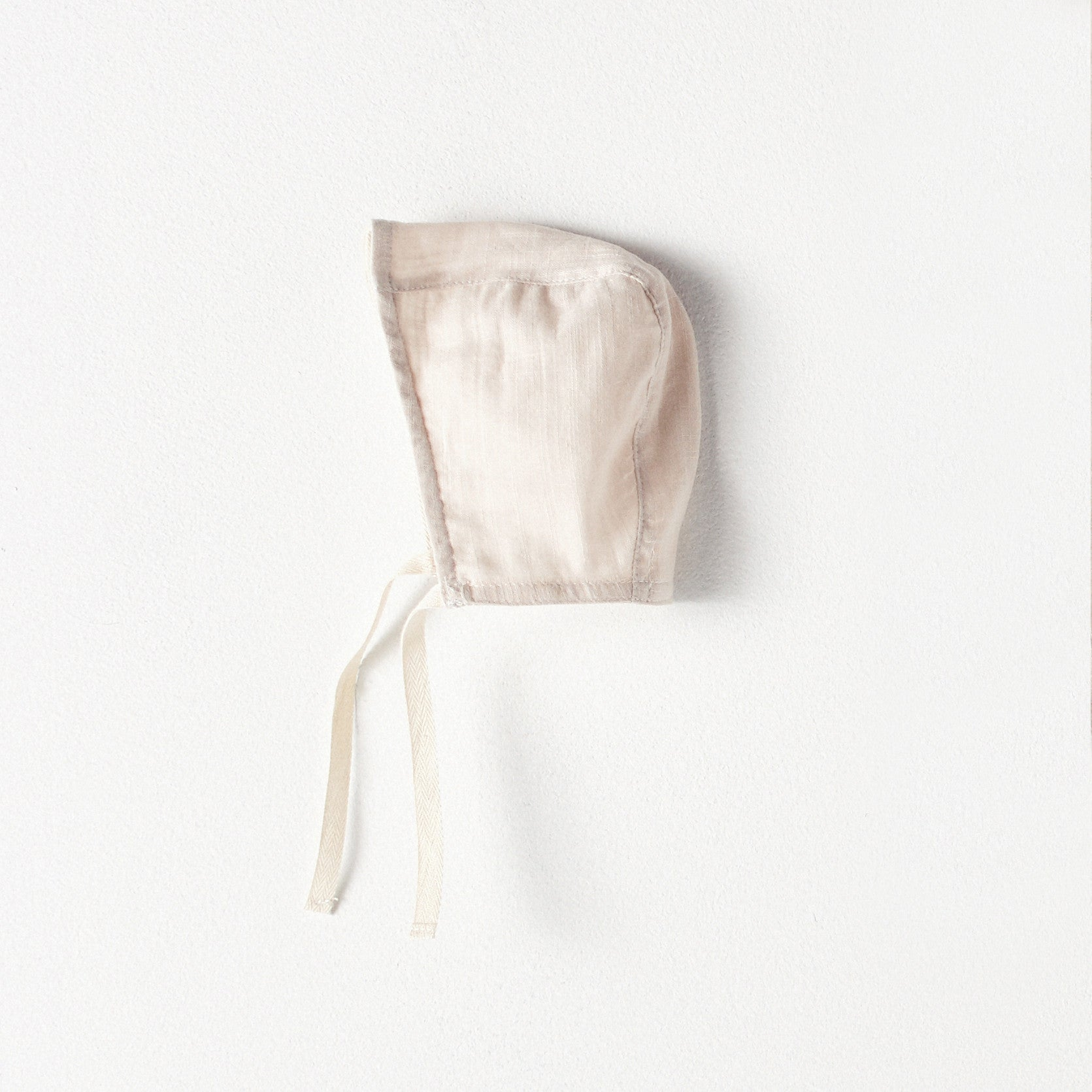 Bacabuche Double Gauze Baby Bonnet in Blush | BIEN BIEN