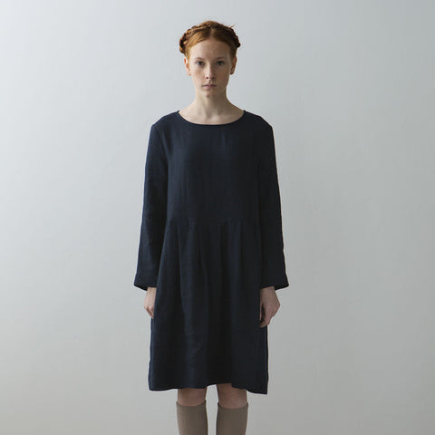 Muku Pleated Dress with Button Closure in Dark Blue | BIEN BIEN