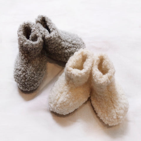 Makié Wool Newborn Baby Booties in Charcoal Grey  | BIEN BIEN