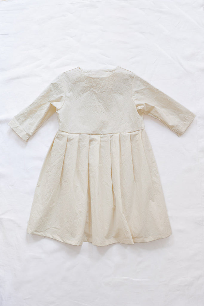 Makié Bee Kid's Dress with Pleats Cream Crinkled Cotton | BIEN BIEN www.bienbienshop.com