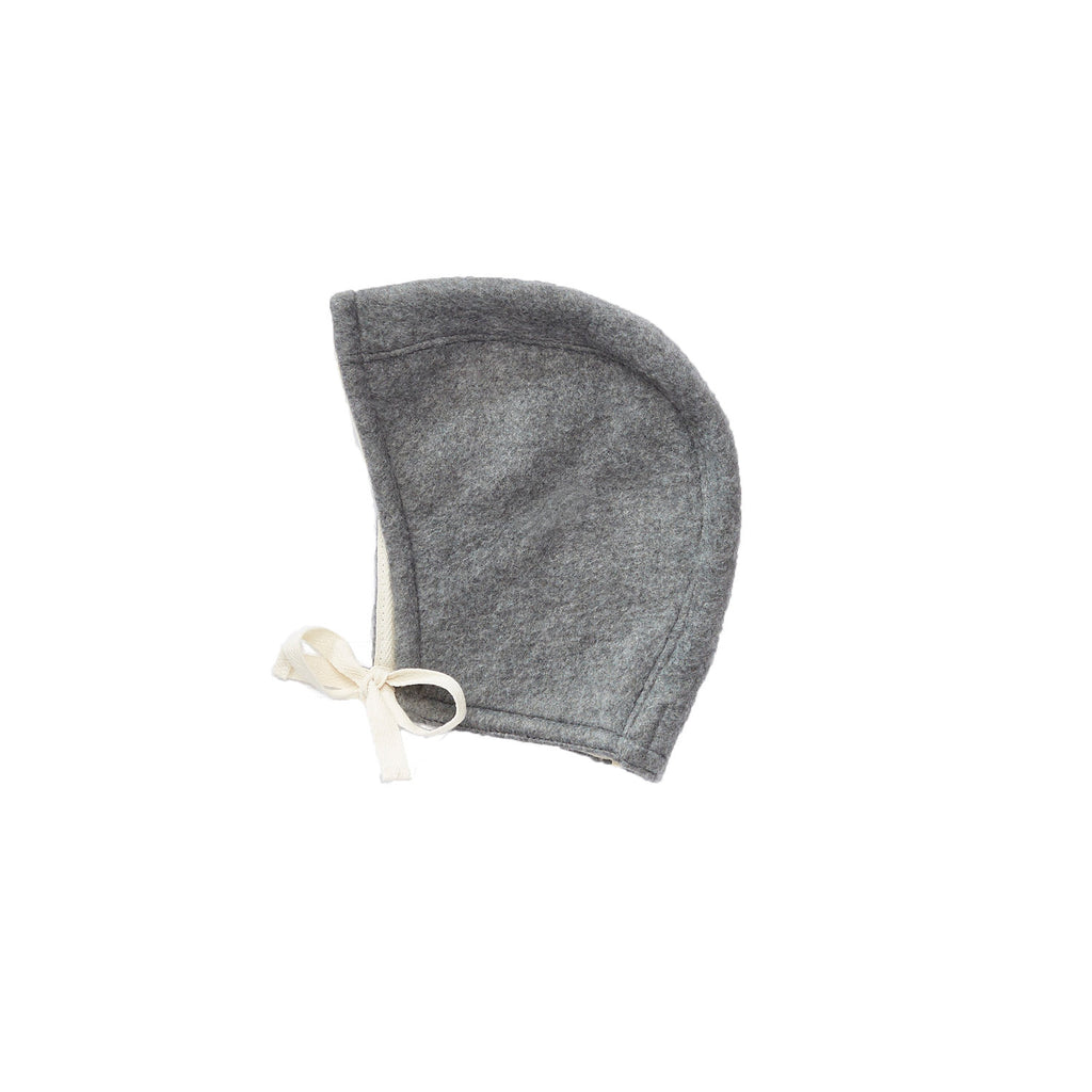 Bacabuche Polar Fleece Baby Bonnet in Charcoal Grey | BIEN BIEN