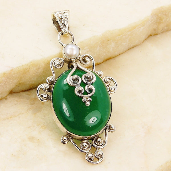 'Queen of Forest' Green Onyx Pearl Sterling Silver Pendant - The Silver Plaza