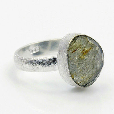 Labradorite & .925 Sterling Silver Ring Size 7.75 - The Silver Plaza