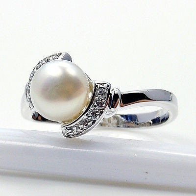 Glamorous Pearl & .925 Sterling Silver Ring Size 5.75 - Emavera - 1
