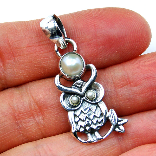 Wise Owl Pearl Pendant & Sterling Silver