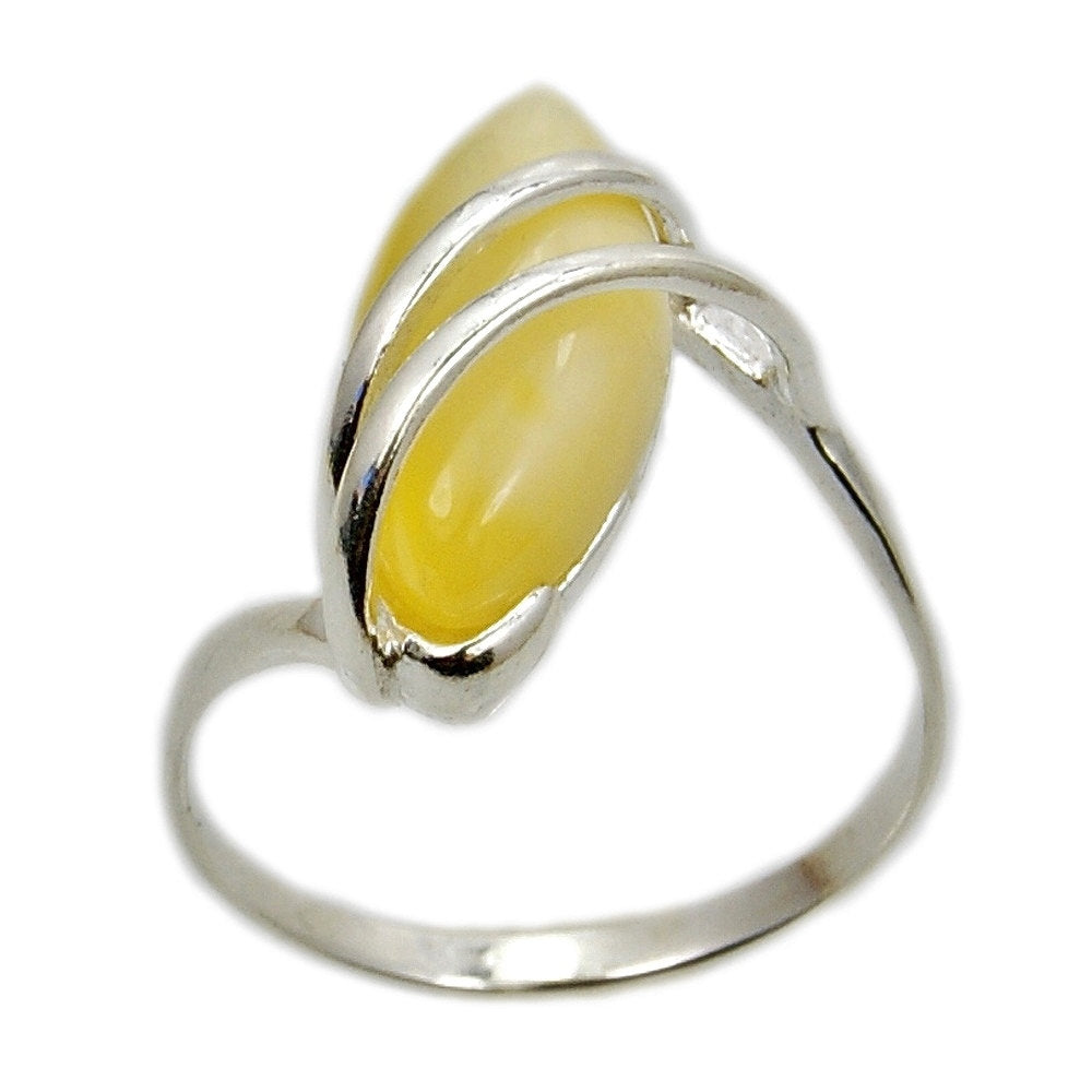 Butterscotch Baltic Amber & Sterling Silver Ring Size 6 7 8 9 - The Silver Plaza