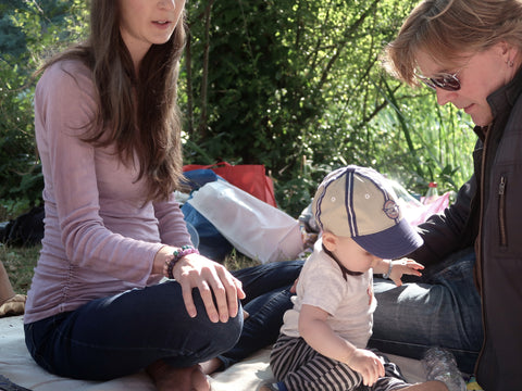 new parents and baby picnic