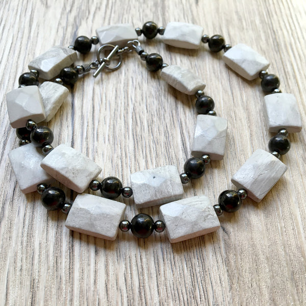 Marble Necklace 05 White Faceted Black Jet Stone - I Dig Crystals