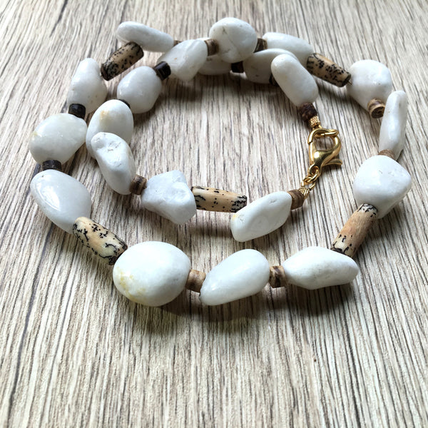 Quartz Necklace 42 White Snow Stone Betel Nuts