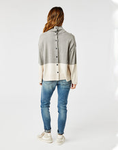 Load image into Gallery viewer, Montrose Turtleneck: Limestone Heather