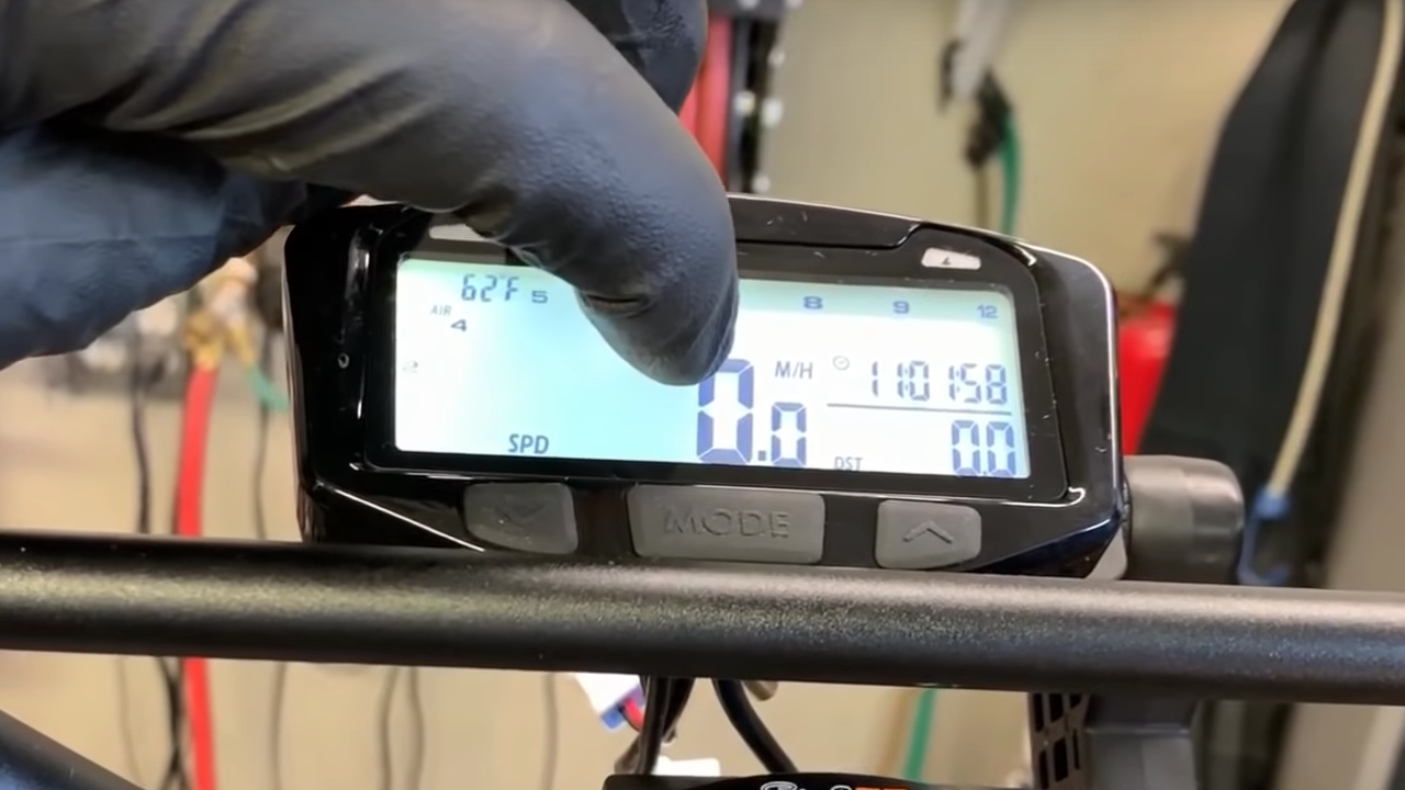 How To: Scooter Trail Tech Vapor Gauge Install