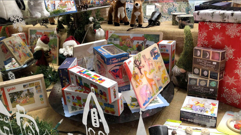 Children's puzzles, wooden toys and instruments:
