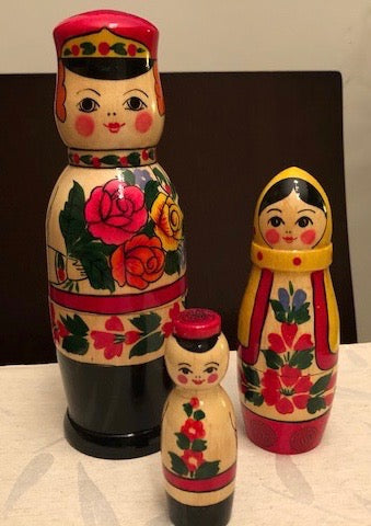 Family Nesting Dolls - set of 3