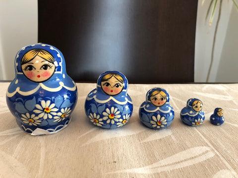 Blue Daisy Nesting Dolls - set of 5