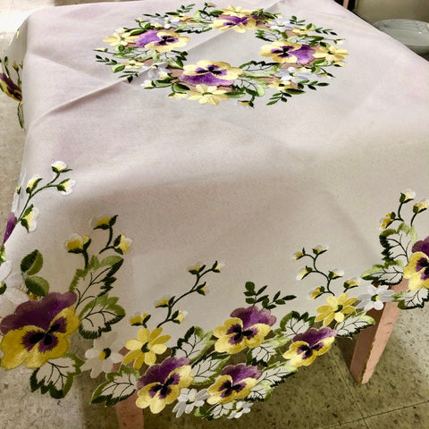Ivory Pansy Table Topper