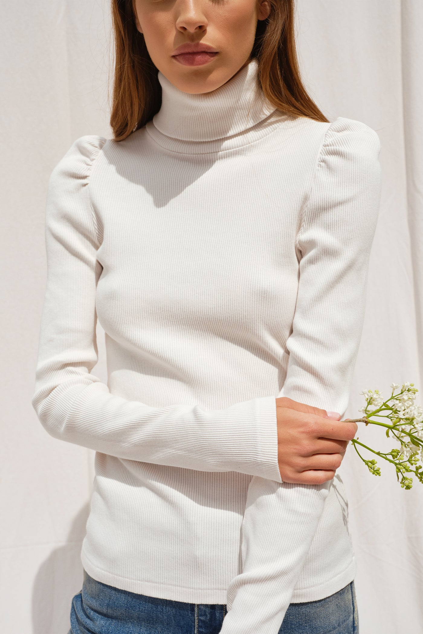 Puff Sleeve Turtle Neck <br> Vintage White