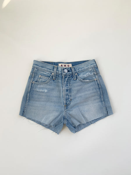 Classic Cut-offs <br> Super Light Vintage Destruct
