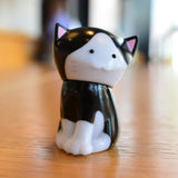 Chima Group Mee Cat (Black + White)