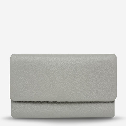 products/status-anxiety-wallet-audrey-light-grey-pebble-front.jpg
