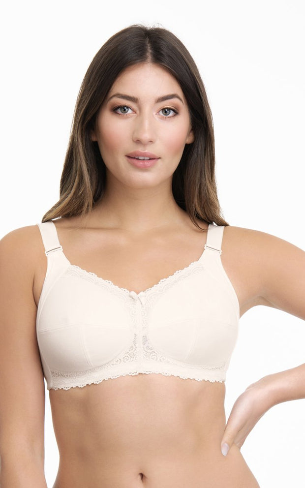 Total Support Bra 34C / Whitesmoke - amanté Bra