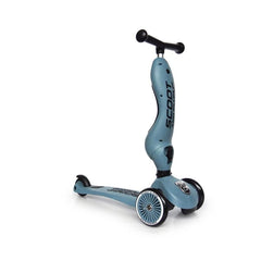 blauer Kinderroller von Scoot & Ride