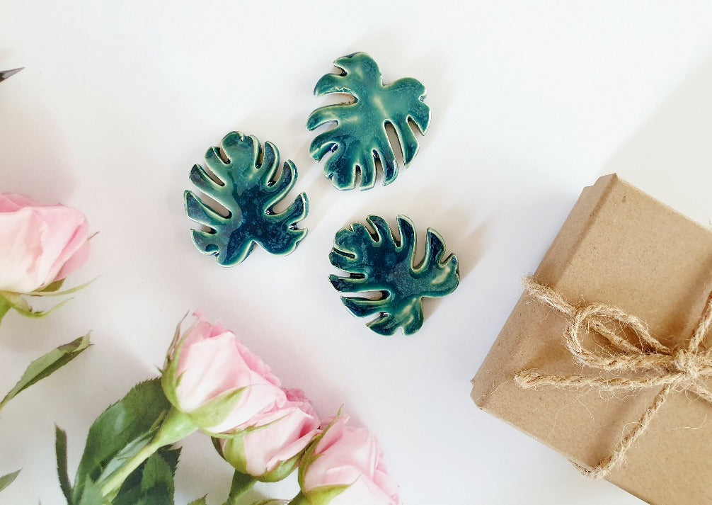 ceramic monstera leaves