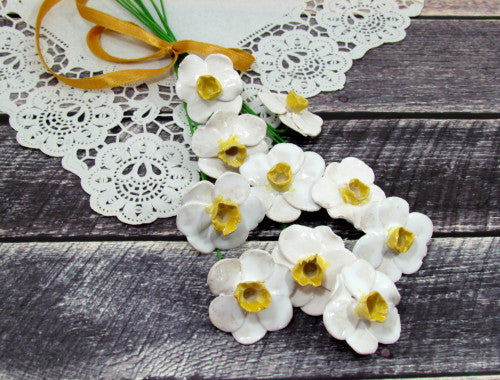 White and yellow Daffodil ceramic flowers