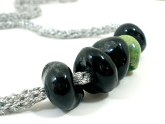 Adjustable crocheted silver black and green necklace - Ceramics By Orly  - 5