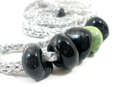 Adjustable crocheted silver black and green necklace - Ceramics By Orly  - 4