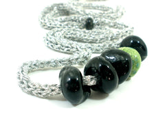 Adjustable crocheted silver black and green necklace - Ceramics By Orly  - 3