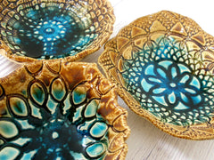 Ceramic bowls set (of 3) with vintage lace pattern in brown and turquoise - Ceramics By Orly  - 5